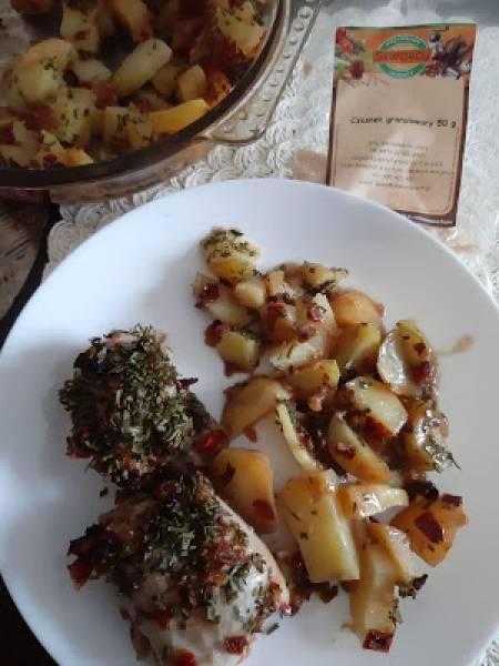 Aromatyczne udka z kurczaka z ziemniakami