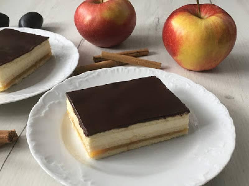 Ciasto z jabłkami i mascarpone bez pieczenia