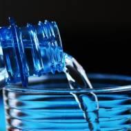 Dzbanek do filtrowania. Woda bez plastiku