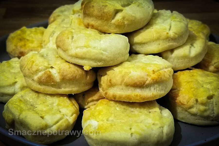 Węgierskie bułeczki z serem