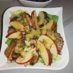 Sałatka z topinamburem i jabłkiem