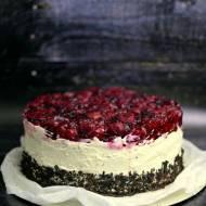 Tort czekoladowo-makowy z wiśniami