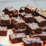 Wilgotne i wyraziste brownie – w czym tkwi jego sekret?