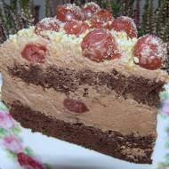pyszny tort kakaowy z wiśniami...