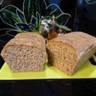 Chleb pszenno-żytni z nasionami