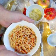 Spaghetti z prostym aromatycznym sosem