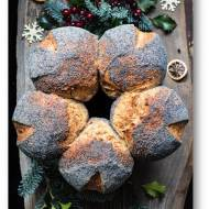 Chlebowy wieniec świąteczny, pszenny chleb z makiem na zakwasie