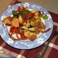 Panzanella z kurczakiem