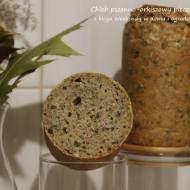 Chleb orkiszowy pieczony w słoikach