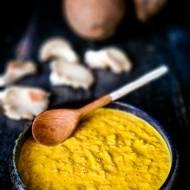 Żółta pasta ziołowa z Kambodży