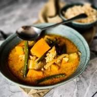 Kurczak Curry w Czerwonym Kroeung