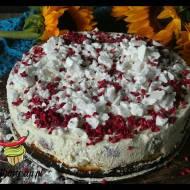 Ciasto z malinami i śmietankowym musem