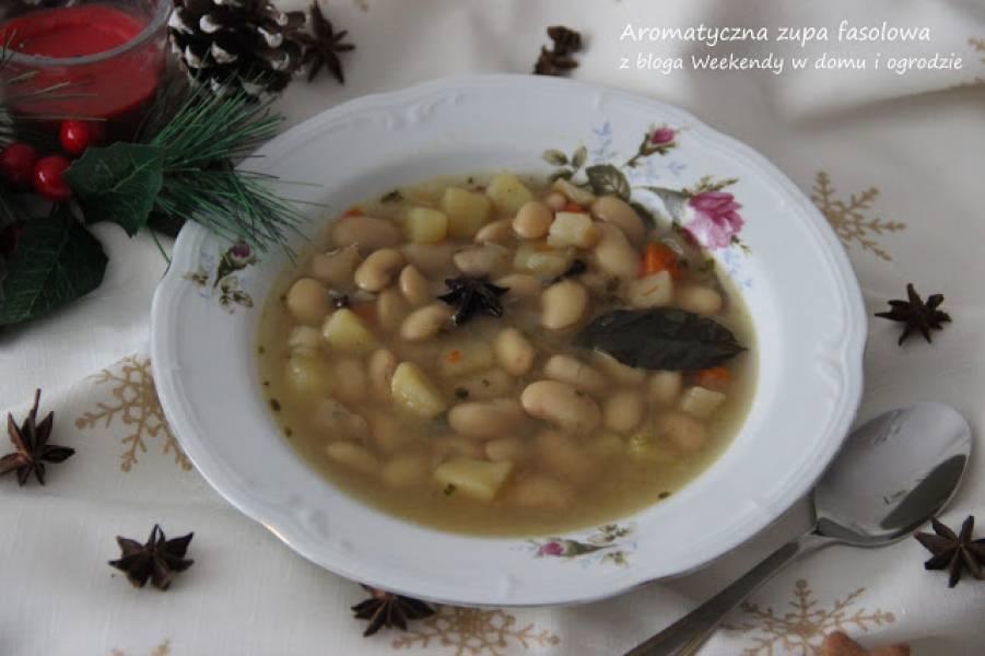 Aromatyczna zupa fasolowa