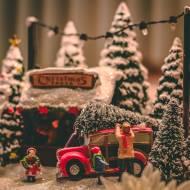 Jak pomagać w trakcie świąt?