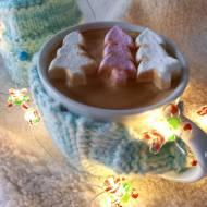 Świąteczna korzenno-mleczna kawa
