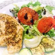 Grillowany filet z kurczaka z szybką sałatką