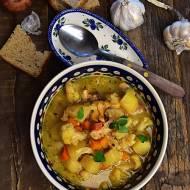 Zupa kalafiorowa na żurku