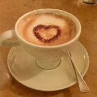 Ekspres do kawy z młynkiem: automatyzacja na wysokim poziomie