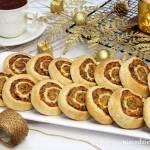 Ślimaczki z ciasta francuskiego z mięsem z rosołu