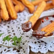 Churros z sosem czekoladowym z chili