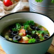 Grecka zupa fasolowa