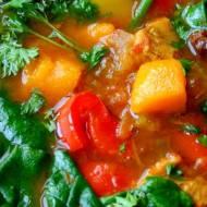 Marokańska zupa z kurczakiem, dynią, papryką i szpinakiem
