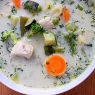 Zupa z kurczakiem i zielonymi warzywami