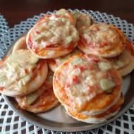 Pizzerki  z  szynką i serem