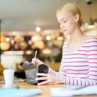 Zdrowy i pożywny lunch – co warto zamówić w Krakowie?