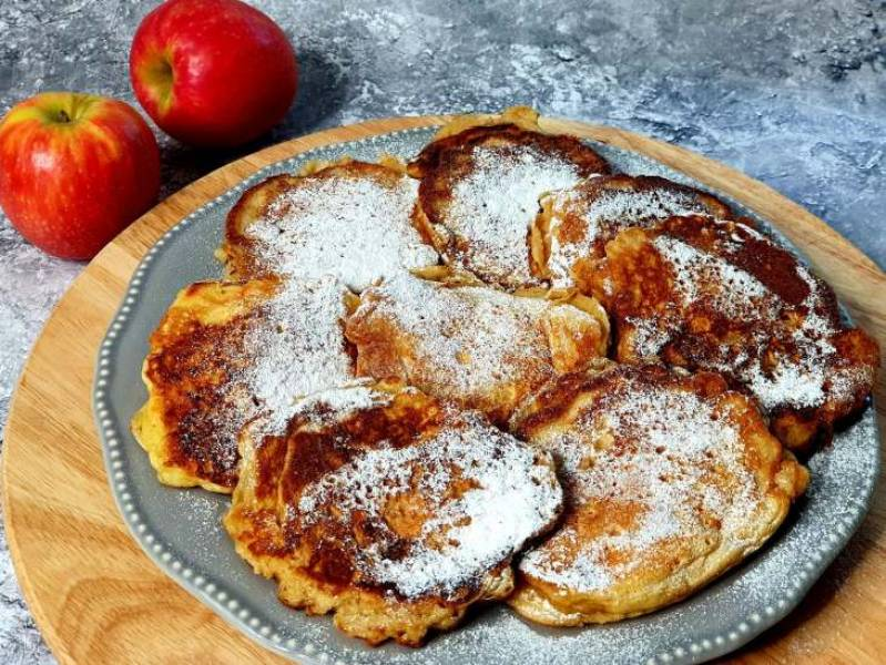 Racuchy z jabłkiem i marchewka bez drożdży.