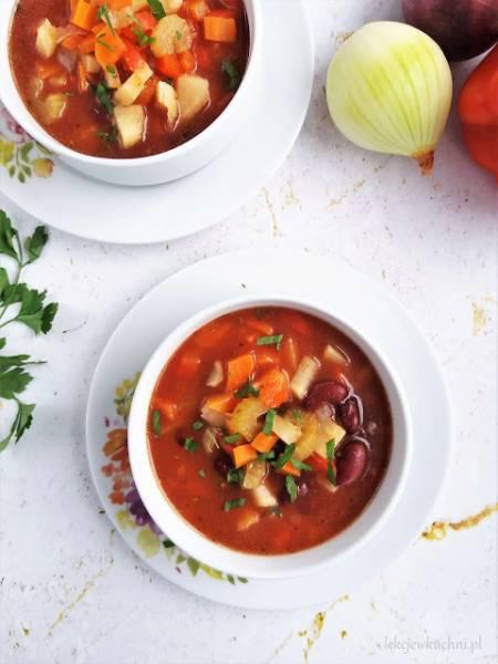 Zupa z czerwoną fasolą i ryżem / Red Kidney Bean Soup with Rice