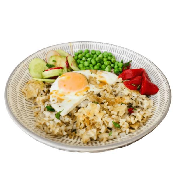 Chrupiący smażony ryż z piklami