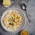 Sałatka z ananasem, kukurydzą i tuńczykiem