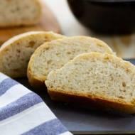 Chleb z chia i suszonymi pomidorami