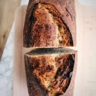 Pełnoziarnisty chleb z foremki