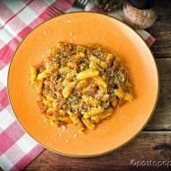 Gnocchetti z kiełbasą, pomidorami i szafranem