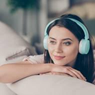 Słuchawki douszne czy dokonałowe – które wybrać?