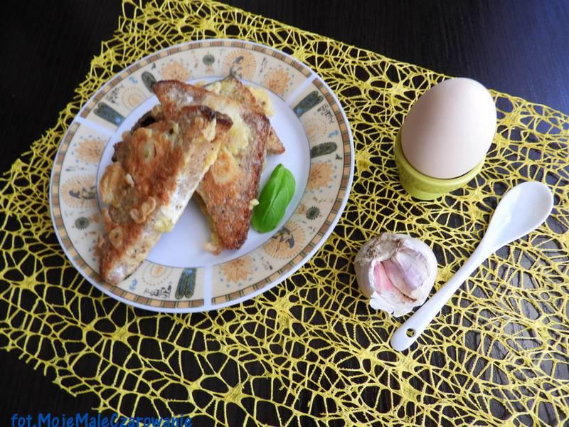 Hiszpańskie tapas czyli chleb jajeczno - czosnkowy