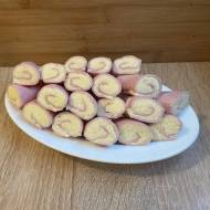 Szyneczki faszerowane serem żółtym z majonezem i czosnkiem