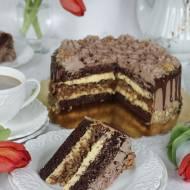 tort czekoladowo orzechowy z nutą kawy