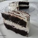 Tort czekoladowy z kremem (Black Velvet Cake)