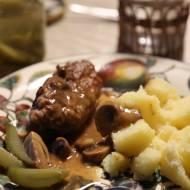 Babuni frykadelki w sosie grzybowym