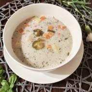 Zupa jarzynowa z mrożonki.