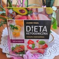 Dieta ketogeniczna. Książka kucharska. 140 przepisów – recenzja