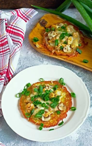Placki ziemniaczane z kurczakiem i pieczarkami (a'la pizza)