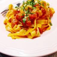 Makaron w sosie pomidorowym z mascarpone