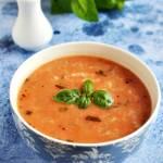 Zupa pomidorowa z kluskami lanymi