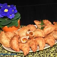 Hiszpańskie empanadas z kiełbasą chorizo