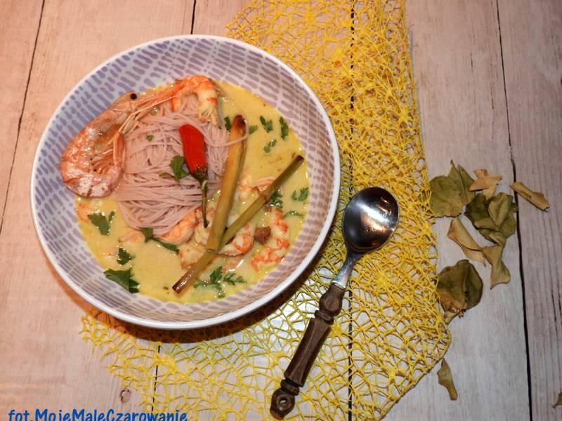 Azjatycka zupa z krewetkami