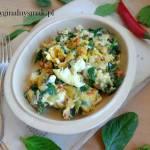 Jajecznica ze szpinakiem i chili